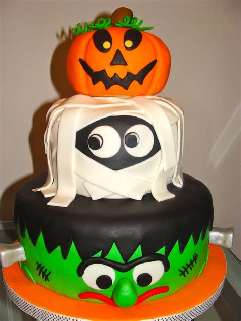 Cant Get A Better Cake Than These For The Halloween Night