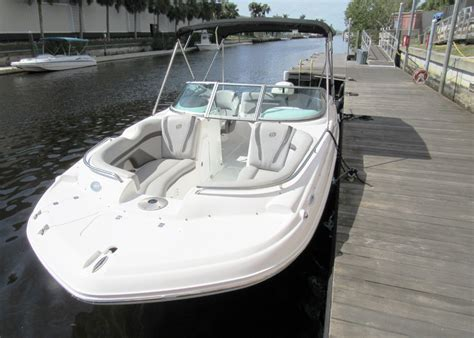 Pictures Of Hurricane Deck Boats by 22 Hurricane 2200 Sundeck Rental Boat Rentals Cape Coral