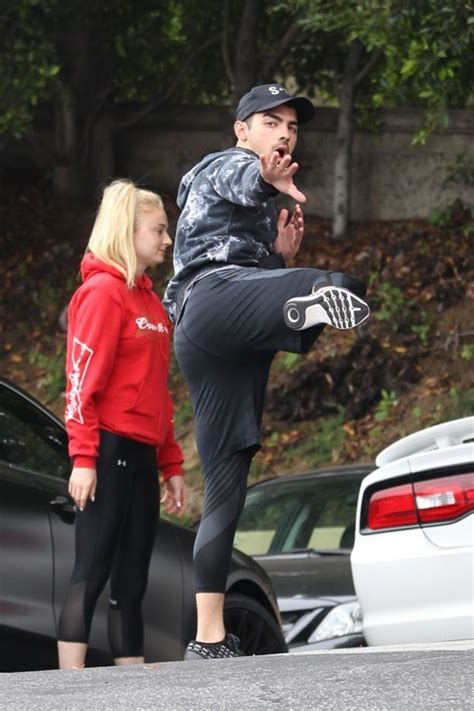 Sophie Turner - Having Fun With the Paparazzi - Los ...
