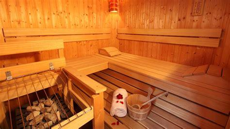 Feucht In Der Sauna by Sauna Hammam