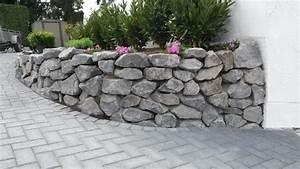 basalt natursteine trockenmauer bruchsteine With französischer balkon mit steine für den garten kaufen
