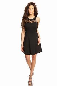 Robe Femme Ronde Chic : robe noire dentelle parfaite pour un petit rendez vous galant ~ Preciouscoupons.com Idées de Décoration