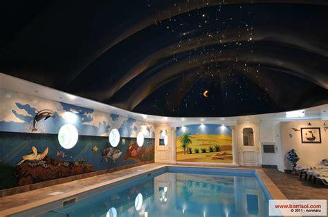 cuisine couleur piscine le plafond tendu barrisol dans votre piscine