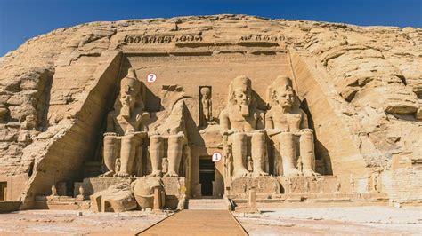 Ramsès Ii Couronné Par Les Dieux