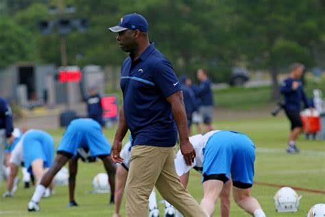 Chargers' Rookies Adjust To Nfl Learning Curve In Minicamp