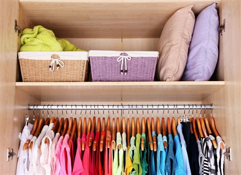 declutter closet spring home projects  diy update