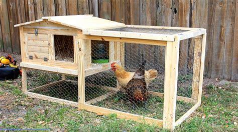 Diy Backyard Chicken Coop by Simply Easy Diy Diy Small Backyard Chicken Coop