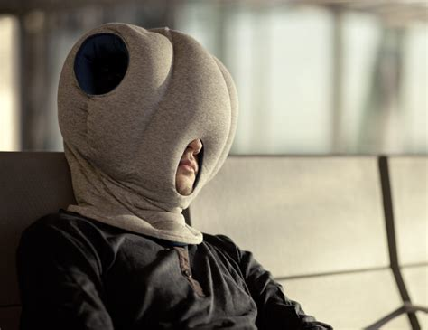 coussin sieste bureau ostrich pillow coussins de sieste par le studio banana things
