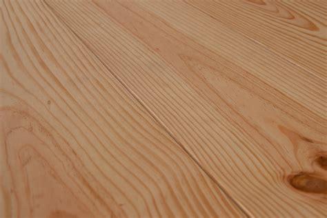modele cuisine surface parquet pin maritime massif emois et bois