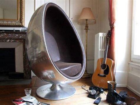 bureau vintage occasion fauteuil aviateur vintage oeuf en aluminium meuble et