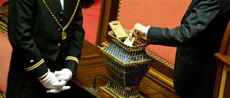 Dei Deputati Ufficio Sta I Questori Parlamentari E Il M5s Il Post