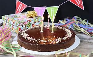Kuchen 18 Geburtstag : gesunder geburtstagskuchen den alle lieben r eblitorte zuckerfrei glutenfrei mrs flury ~ Frokenaadalensverden.com Haus und Dekorationen