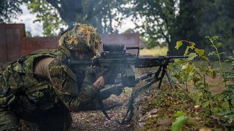 Vecumniekos notiek aizkavēšanas un aizsardzības kaujas ...