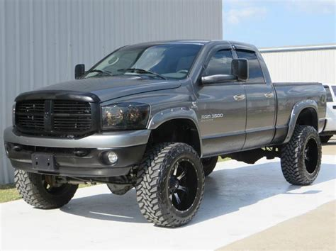 2006 Dodge Ram Pickup 3500 SLT 5.9 CUMMINS H.O LIFTED