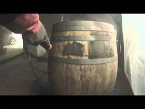 Tonneau En Bois : aerogommage d 39 un tonneau youtube ~ Melissatoandfro.com Idées de Décoration