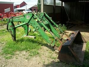 John Deere 245 Tractor Loaders