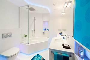 Badezimmer Beleuchtung Tipps : kleines badezimmer modern gestalten tipps ideen mit lichtdesign ~ Sanjose-hotels-ca.com Haus und Dekorationen