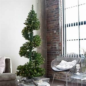 Weihnachtsbaum Geschmückt Modern : weihnachtsbaum schm cken 25 beispiele und verschiedene deko ideen ~ A.2002-acura-tl-radio.info Haus und Dekorationen