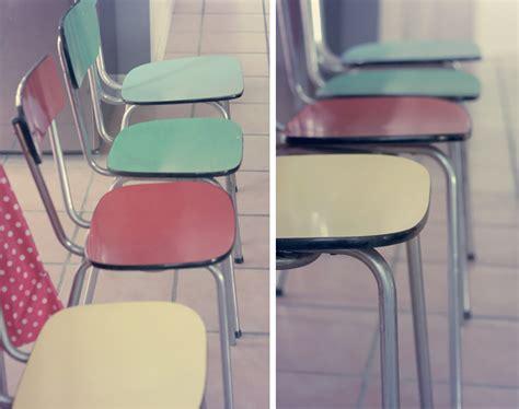 chaises formica chaises en formica et tissus vintages poulette magique