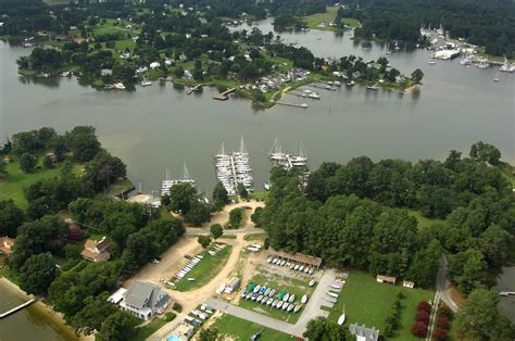 bay fishing yacht club deltaville va marina marinas