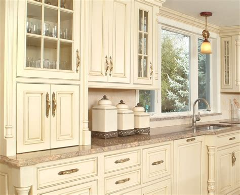 lighting for kitchen cabinets cabinets image result for http www 9442