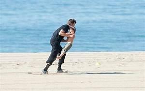 Tom Brady and Benjamin on the beach - Zimbio