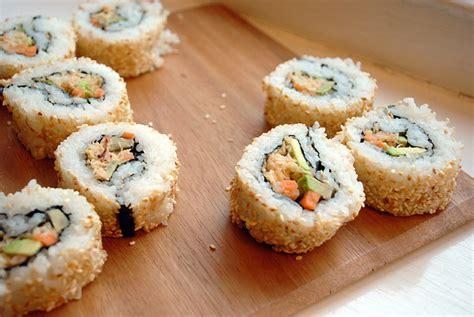 recette de cuisine saumon recette sushi maki inversé california roll saumon cuit