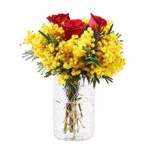 fiori e mimose bouquet di mimose e rosse floraqueen