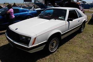 File:1980 Ford Mustang Ghia Hatchback (14386562021).jpg - Wikimedia Commons