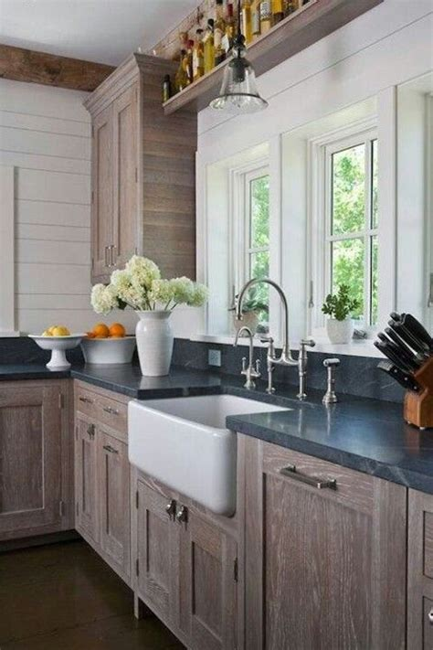 This way the oak cabinetry can gain a beautiful golden glow. Wire brushed oak cabinets | Kitchen inspirations, Kitchen ...