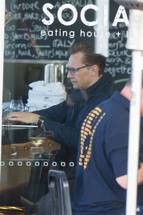 tom hiddleston  lunch    favourite cafe