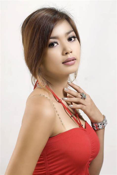 arloos myanmar model gallery nwe nwe htun red dress