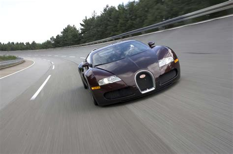 The bugatti chiron has accelerated from a standing start to 400 km/h and braked back to a. Bugatti Veyron: quebra da barreira dos 400 km/h completa 15 anos