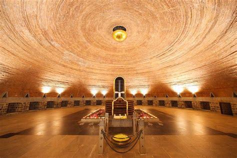 top  yoga retreats  india