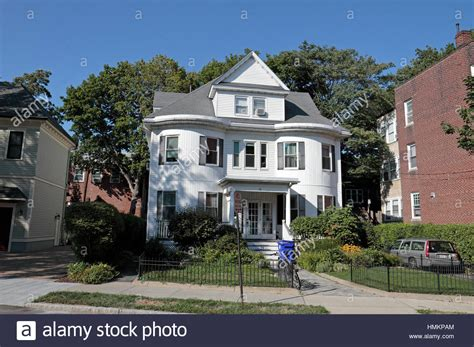 Typisches Amerikanisches Haus by Typical American House Stockfotos Typical American House