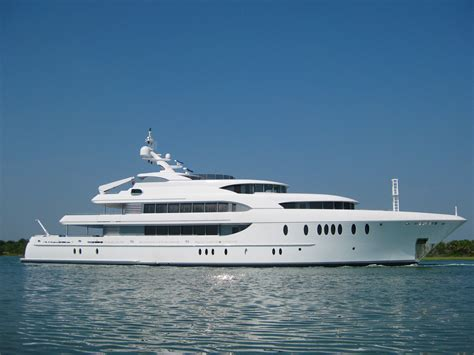 yacht island 54 9m 180 motor yacht harbour island launched by newcastle shipyards superyachts news