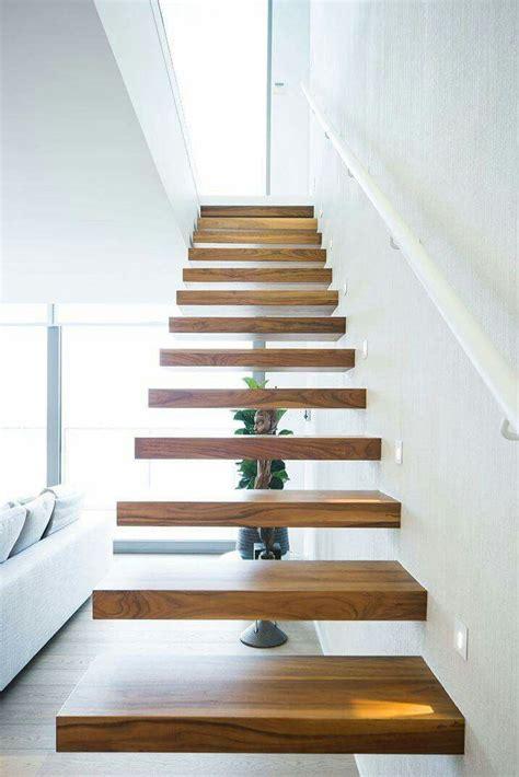 scala rivestita in legno scala a sbalzo struttura in ferro rivestita in legno