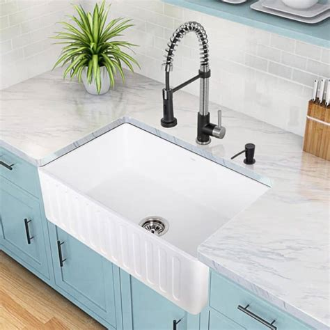 install  farmhouse sink hometips