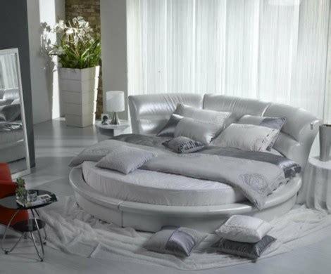 rundbetten ermitteln eine gehobene atmosphaere im schlafzimmer