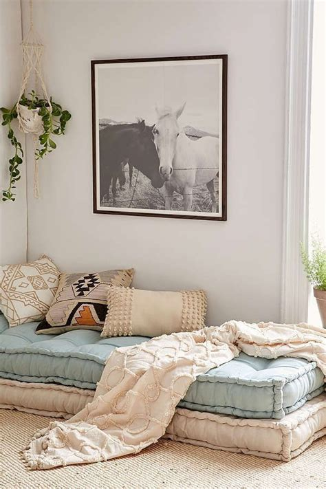Bedroom Decor Guide by Bed The Cool Guide To Bedroom Decor 22