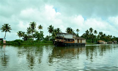 Houseboat Kozhikode by Best Time To Visit Kuttanad Kerala Tourism
