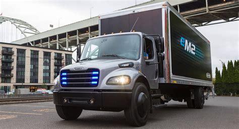 freightliners em medium duty electric truck
