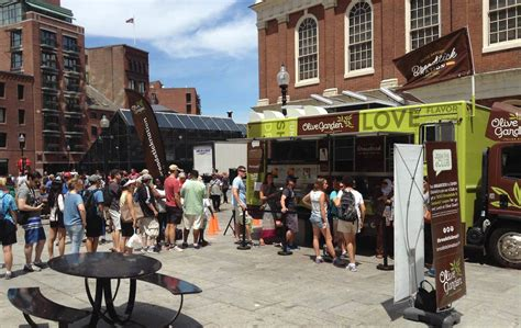 olive garden boston olive garden has a food truck and bostonians are pissed