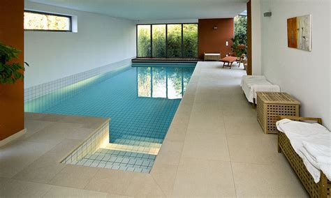 Swimmingpool Im Haus by Pool Im Gr 252 Nen Pool Magazin