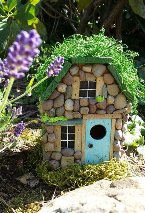 dreamy fairy cottages   turn  garden