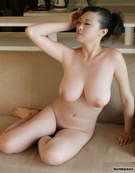 Busty Chinese Babe Posing Nude On Sofa Asian Porn Times