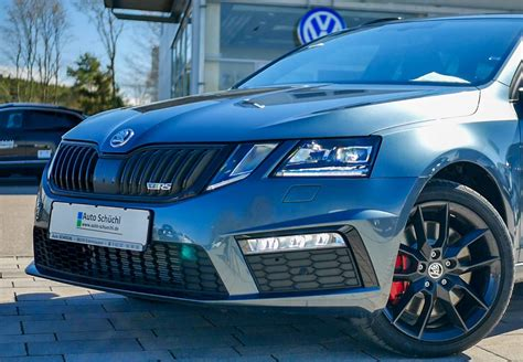 Skoda octavia covers better mileage than civic per liter and loaded with more advanced features. Skoda Octavia | Auto Schüchl