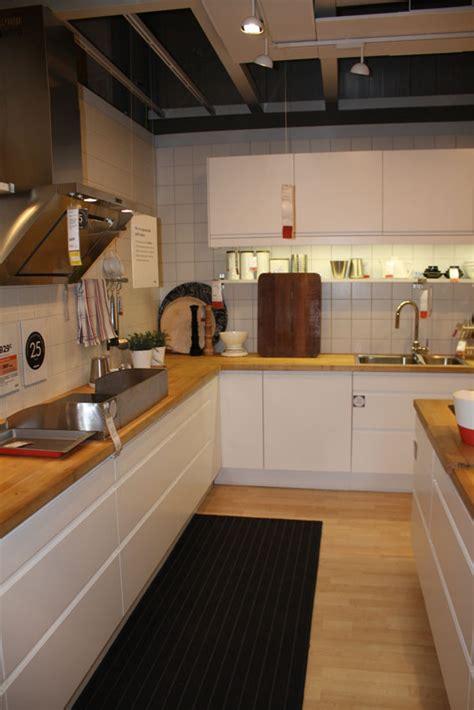 cuisine ikea adel bouleau allier vieux meubles et déco plus moderne page 2