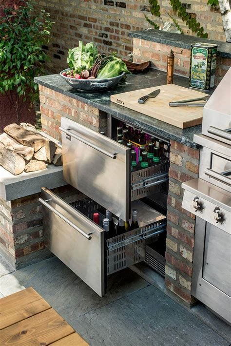 top  outdoor kitchen appliances trends