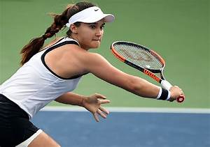 Defending-champ Davis ousted at ASB Classic